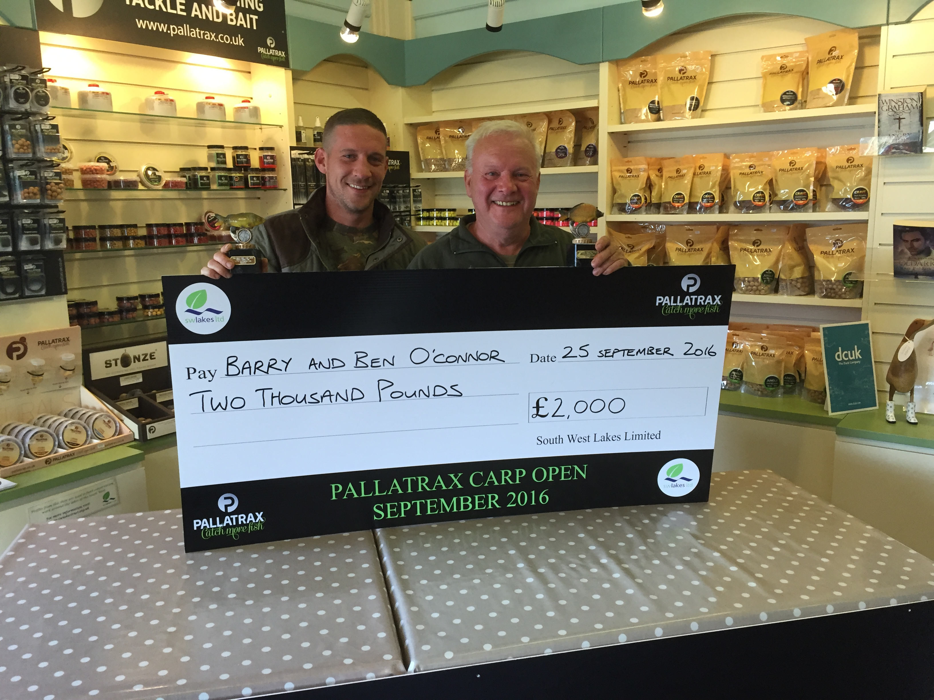 barry-and-ben-with-cheque
