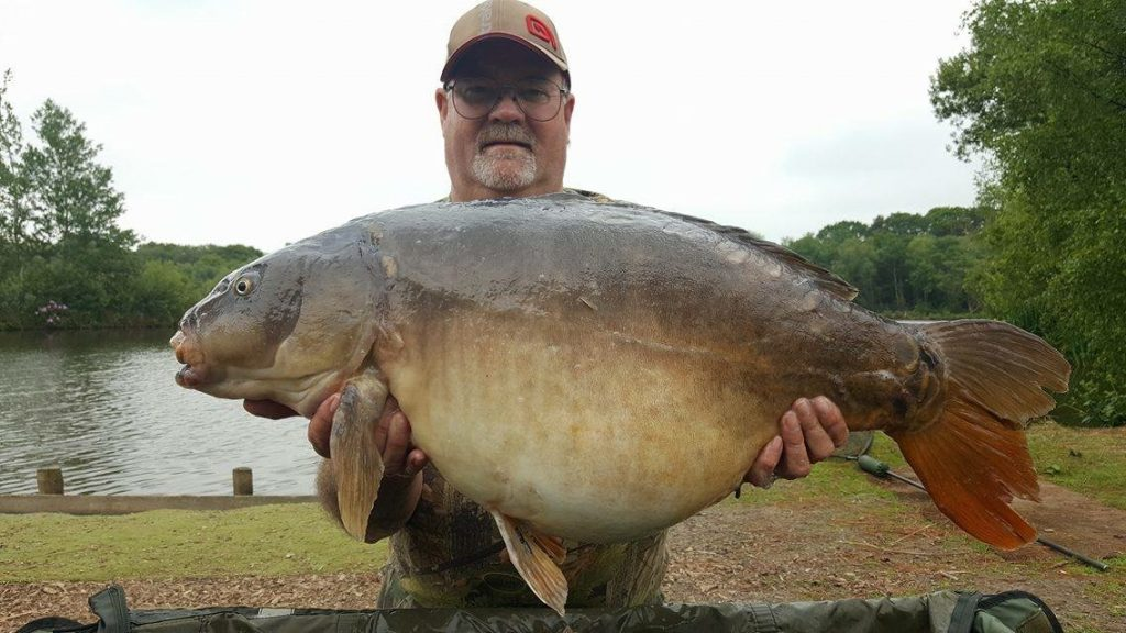 Geoff Waring 30lb 2oz mirror carp